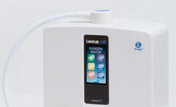 Giao diện điều khiển cảm ứng của máy lọc nước ion kiềm Kangen K8